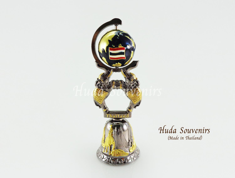 ของที่ระลึกไทย กระดิ่งทองเหลือง ลูกโลกหมุนได้ ลวดลายเอกลักษณ์ไทย สินค้าบรรจุในกล่องเรียบร้อย
