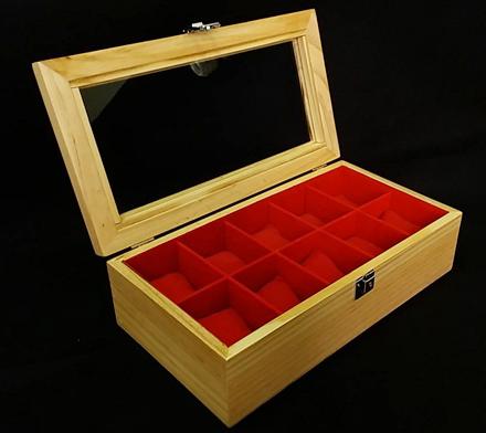 กล่องใส่นาฬิก่งานไม้สน ภายในบุกำมะหยี่สีแดง มีกุญแจล็อก (มีสินค้าพร้อมส่ง) จัดส่งฟรี