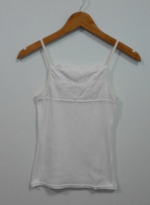 jp4087 เสื้อซับในผ้ายืด แต่งผ้าลูกไม้สีขาว