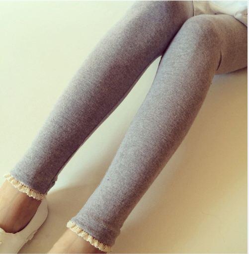 กางเกงเลกกิ้ง ขายาวสีเทา ปลายขาแต่งลูกไม้ น่ารักมากๆค่ะ เอวปรับสายได้