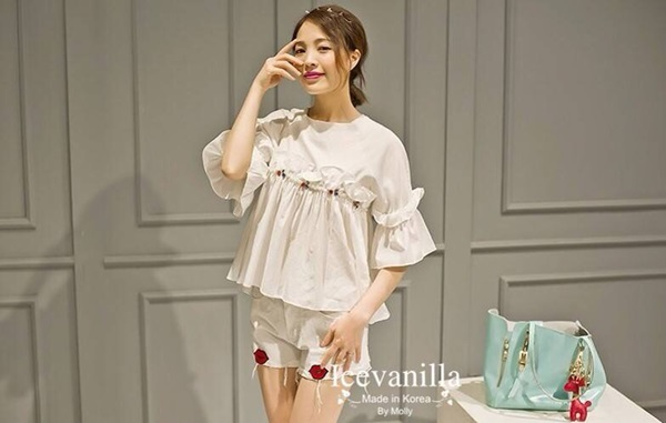 Icevanilla Pretty Jewel & Pearl Blouse