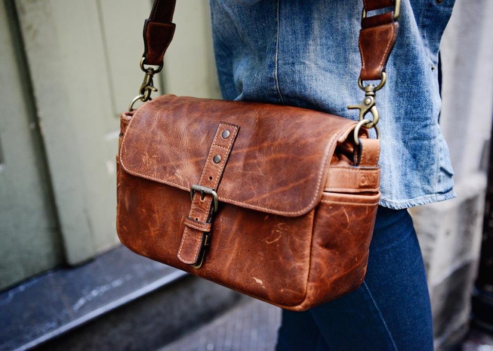 กระเป๋ากล้อง ONA The Leather Bowery